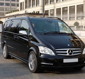 Luxury 8 seater car hire UK